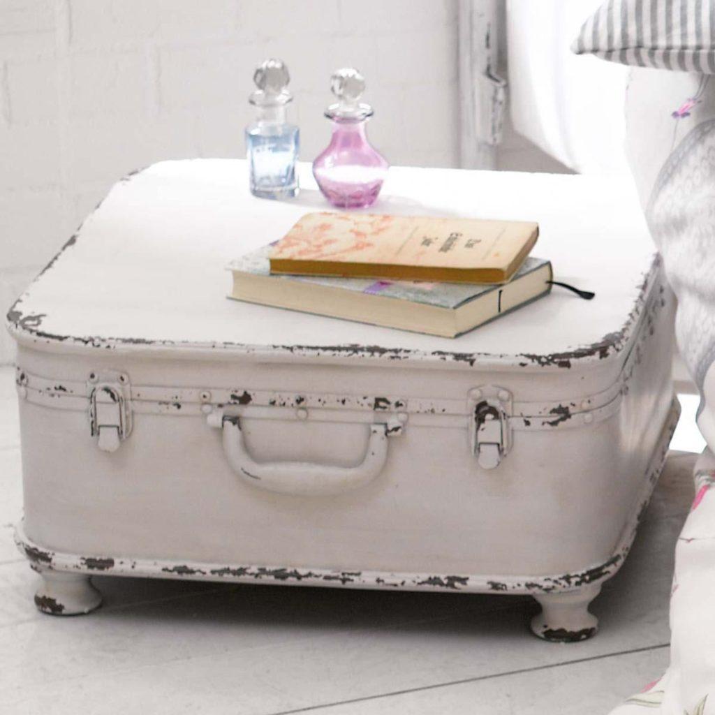 Beistelltisch im Shabby Chic Koffer-Design