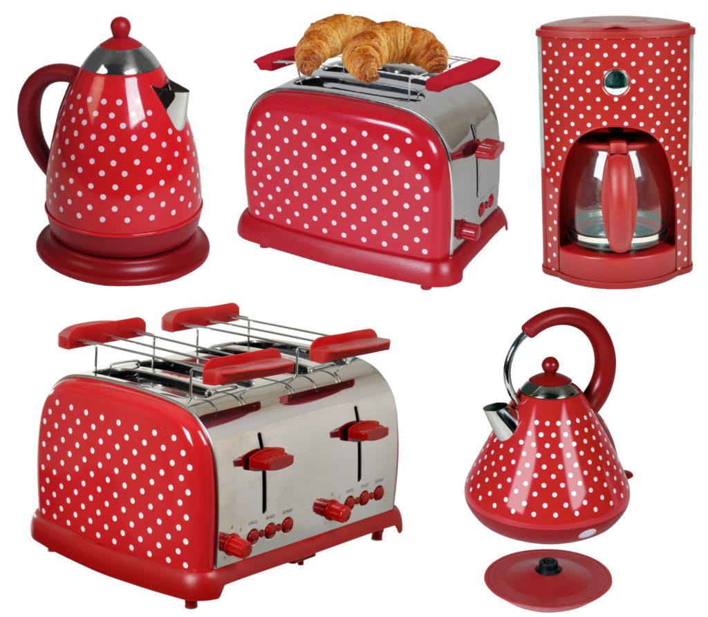Team-Kalorik-Group RWD - Rote Küchengeräte mit weißen Polka Dots